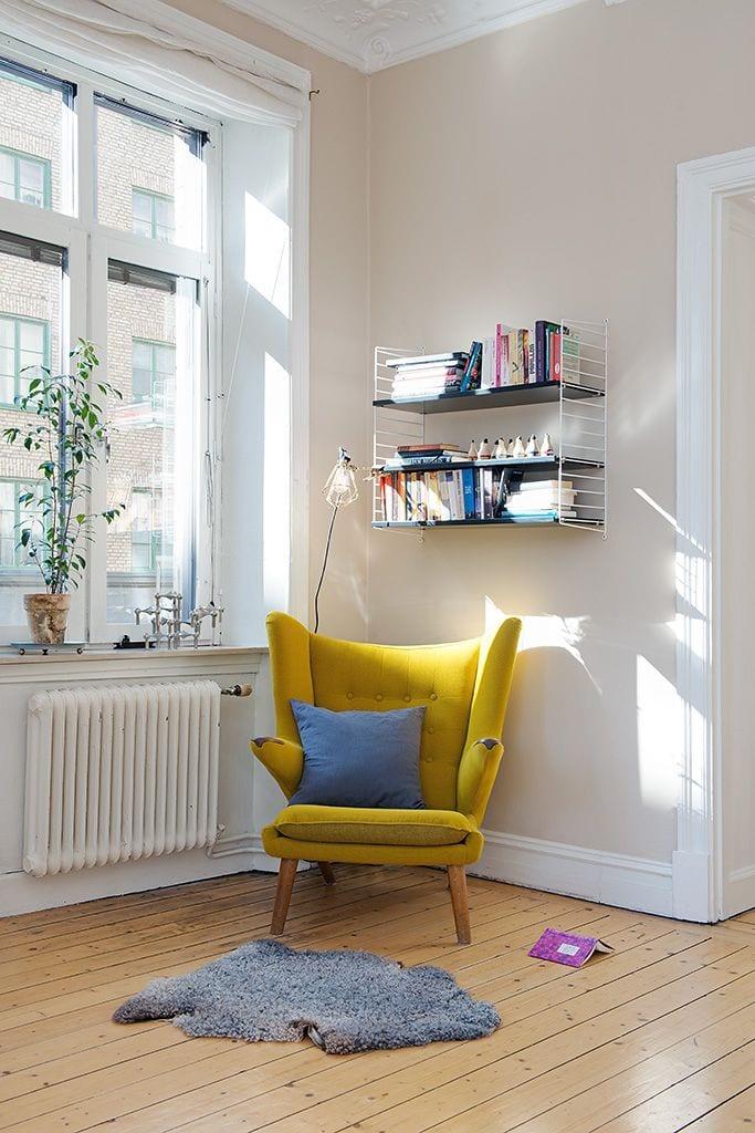 Keltainen tuoli ja string